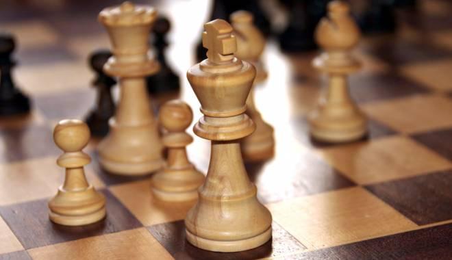 Foto: Un câştigător surpriză în turneul de şah de la Cernavodă