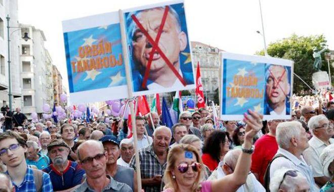 Foto: Ungaria: Manifestație împotriva lui Viktor Orban la un miting pro-UE