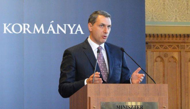 Foto: Ungaria: Șeful de cabinet al premierului Orban  acuză Facebook de cenzură