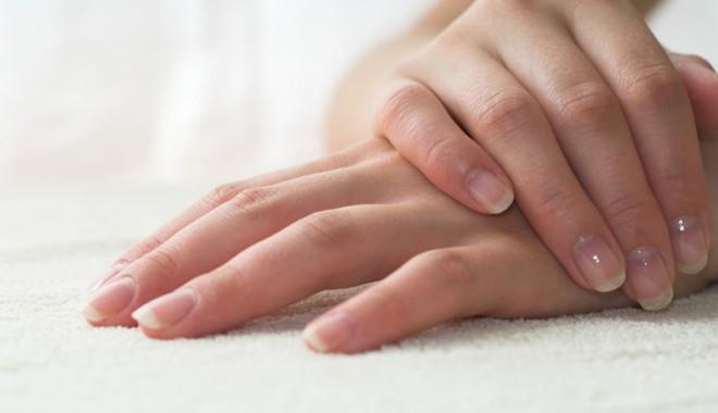 Metode naturale pentru întărirea unghiilor - unghii-1335463925.jpg
