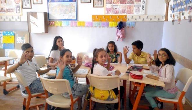 Foto: Un interesant proiect de voluntariat desfăşurat la Şcoala nr. 11