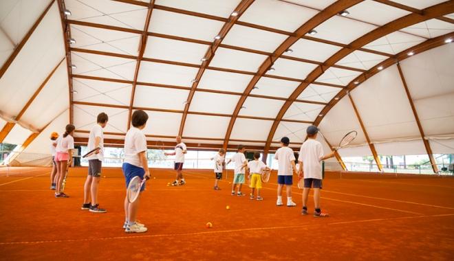 Foto: Un investitor misterios! Academie de tenis, în incinta LPS Constanţa