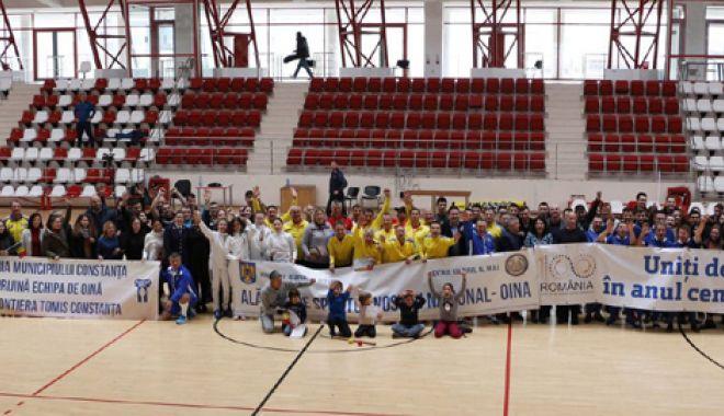 Foto: Uniţi de oină,  în anul Centenarului! Sportul naţional,  promovat în Capitală