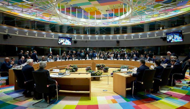 Foto: Uniunea Europeană îndeamnă SUA şi Rusia  să continue dialogul şi să menţină Tratatul INF