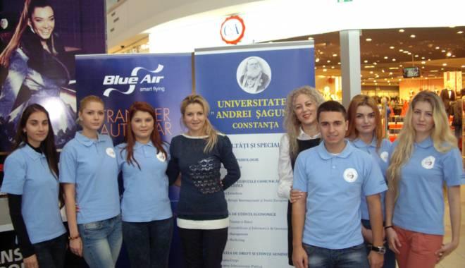 """Foto: Universitatea """"Andrei Şaguna"""" implică studenţii  în campanii  de promovare"""