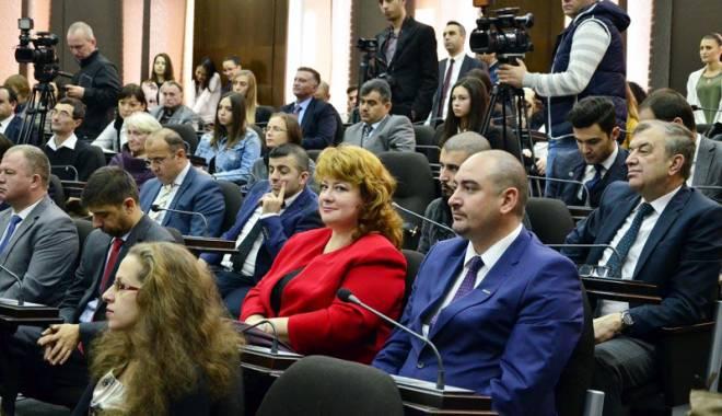 """Foto: Universitar bucureştean, declarat Doctor Honoris Causa la """"Ovidius"""""""
