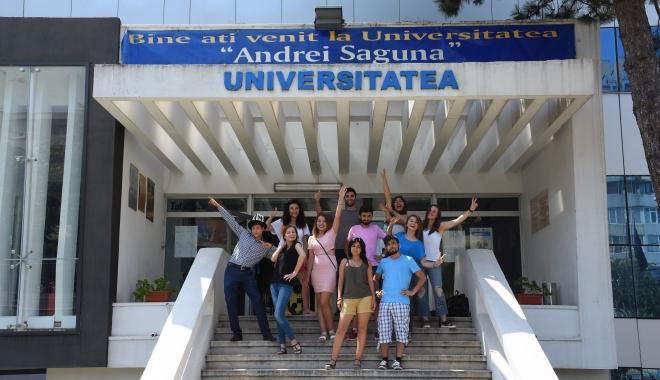 """Foto: Tot mai mulţi bursieri Erasmus la Universitatea """"Andrei Şaguna"""""""