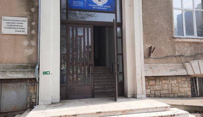 """Ce se întâmplă cu sediul vechi al Universităţii """"Ovidius"""". """"Clădirea a fost evacuată"""" - universitate1-1614271830.jpg"""