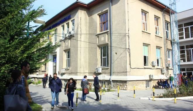 """Foto: Universitatea """"Ovidius"""", premiată pentru proiectele inovatoare"""