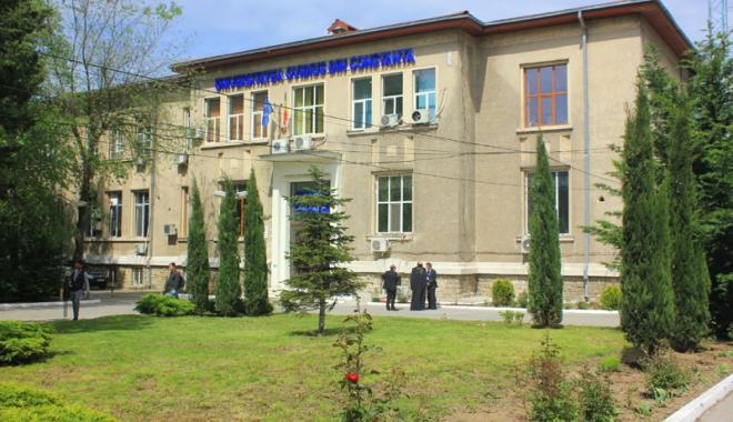 "Foto: Alegeri cu final previzibil: doar trei decani noi la Universitatea ""Ovidius"""