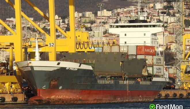 Foto: Un lucrător portuar a fost ucis când lega o navă la cheu