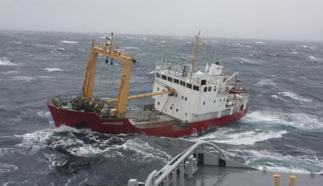 Un marinar accidentat pe o navă grecească e împiedicat să-şi cunoască drepturile
