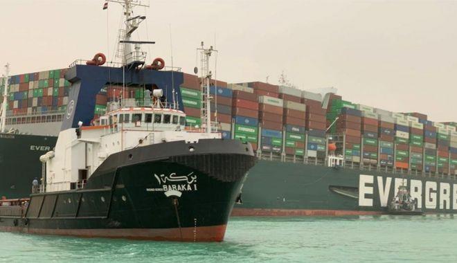 Un mega-portcontainer a blocat traficul pe Canalul Suez - unmegaportcontainerablocattrafic-1616607645.jpg