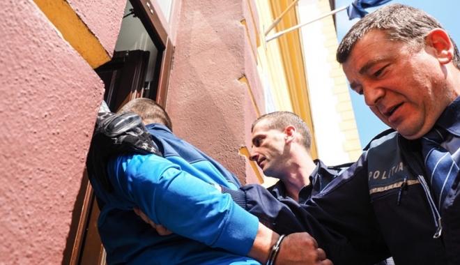 Foto: Un minor a fost arestat după ce a tâlhărit o femeie, la Mangalia
