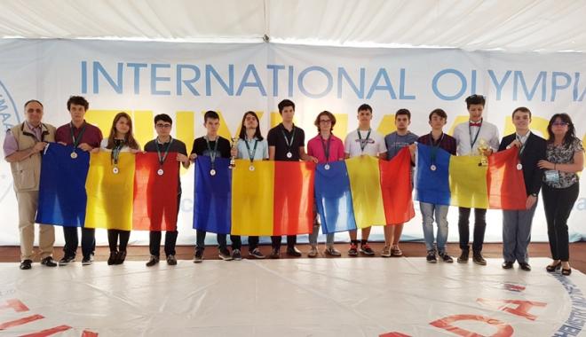 Foto: Un mircist şi un elev de la Liceul de Informatică, medaliaţi la Olimpiada Tuymaada