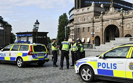Foto: Suedia ridică nivelul de alertă teroristă!