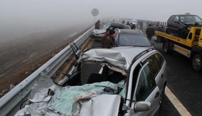 Foto: Un nou accident de amploare  pe Autostrada Soarelui.  Peste 20 de persoane rănite