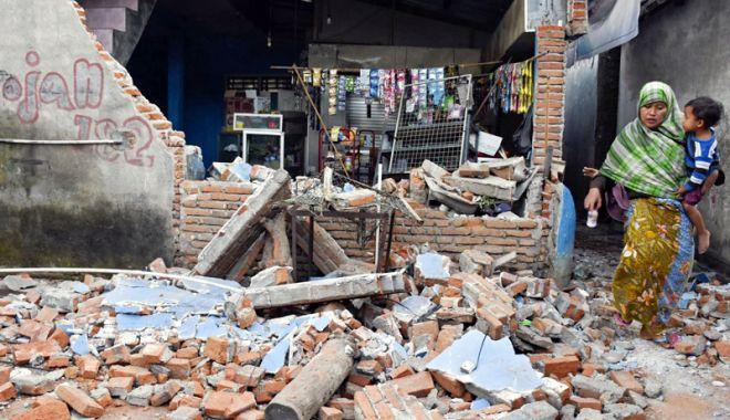 Foto: Indonezia, lovită de un nou cutremur mare în Insula Lombok