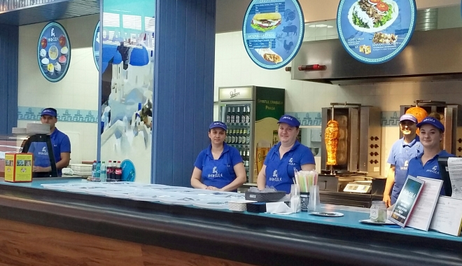 Foto: Un nou restaurant cu specific grecesc se deschide la Constanţa