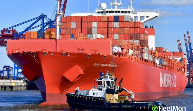 Foto: Un portcontainer a fost atacat de traficanții de droguri