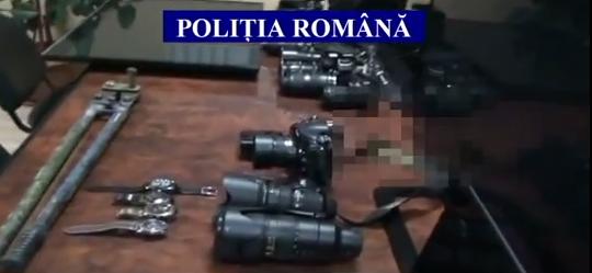 Foto: VIDEO. Depozit de aparatură furată, într-o locuinţă din judeţul Constanţa