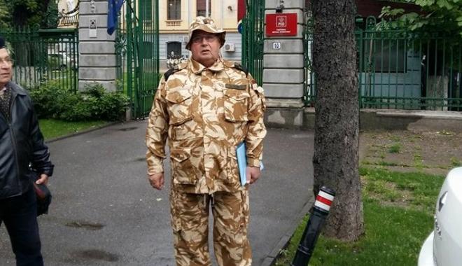 Protest al militarilor, în faţa sediului PSD!