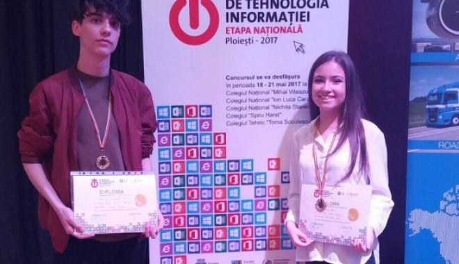 Foto: Un elev ovidist, pe locul întâi la Olimpiada Naţională de Tehnologia Informaţiei