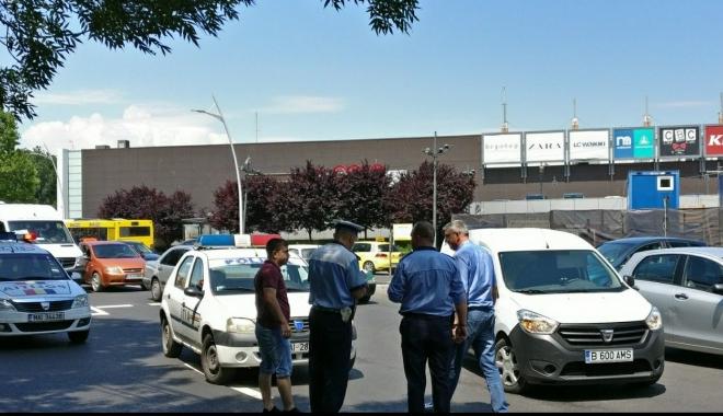 Foto: ACCIDENT RUTIER în apropierea sensului giratoriu de la City Park Mall. VICTIMA, O FEMEIE!