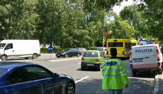 ACCIDENT RUTIER în apropierea sensului giratoriu de la City Park Mall. VICTIMA, O FEMEIE! - untitled-1497863795.jpg