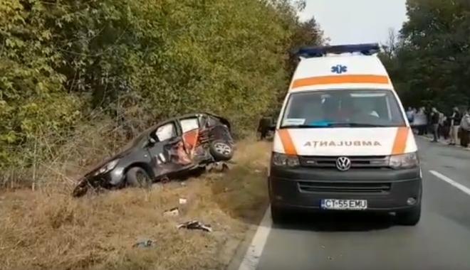 VIDEO / Accident cu 3 victime, în judeţul Constanţa. Ambulanţele intervin la locul accidentului / UPDATE