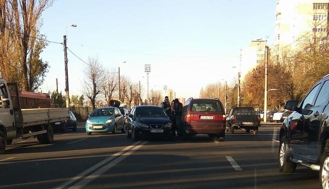 Foto: Accident rutier la Constanţa. Două maşini implicate