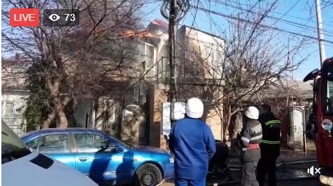 Foto: Explozie de butelie urmată de incendiu, la Eforie. Persoană blocată în casă