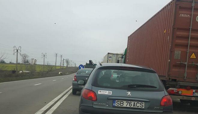 Foto: Accident pe DN3, între Constanţa şi Valu lui Traian. Circulaţie îngreunată!