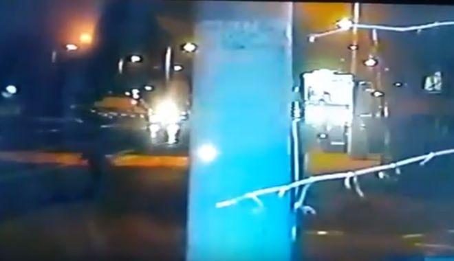 Foto: VIDEO. TRAGEDIA DE PE ŞOSEAUA MANGALIEI, SURPRINSĂ DE CAMERELE DE SUPRAVEGHERE. Victimele, spulberate la propriu!