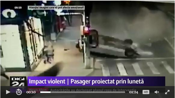 Foto: IMAGINI CU PUTERNIC IMPACT EMOŢIONAL! Persoană azvârlită din maşină, după o coliziune devastatoare