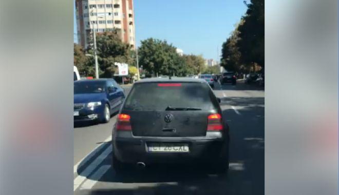 VIDEO. Tupeu mizerabil! Un şofer constănţean blochează ambulanţa aflată în misiune