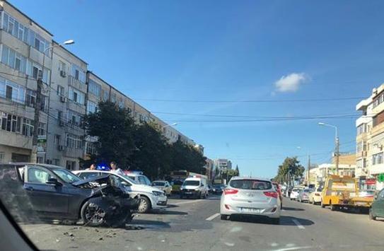 Foto: GALERIE FOTO. Accident rutier la Constanţa! Trei maşini avariate