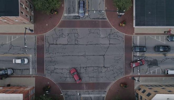 """Foto: Tehnologia futuristă care le permite mașinilor să """"vadă"""" după colț"""