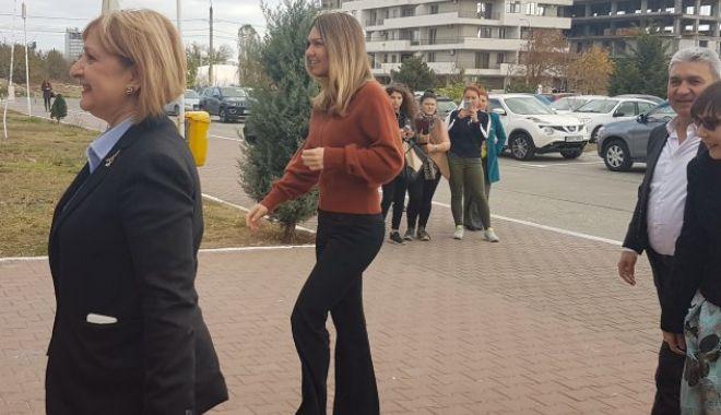 """Foto: Simona Halep a primit titlul de """"Ambasador"""" al Universităţii """"Ovidius"""" Constanţa"""