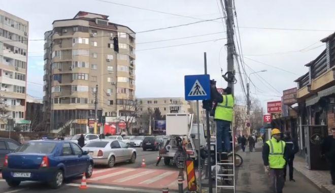 Foto: VIDEO. Trecerea de pietoni de pe strada Soveja, în dreptul Pieţei Tomis 3, semaforizată
