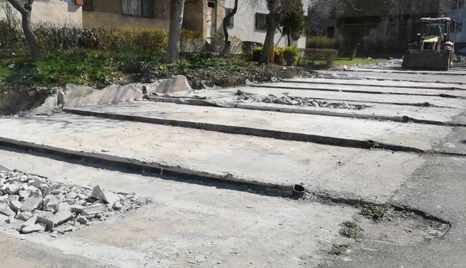 Foto: Noi locuri de parcare în Constanţa, în locul garajelor din cartiere