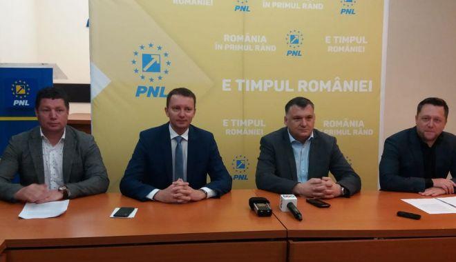 Foto: Primarii liberali, campioni la atragerea fondurilor europene
