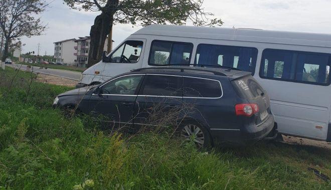 UPDATE. Accident la Constanţa! Microbuz cu călători, izbit în copac. Trei victime - untitled-1557911201.jpg