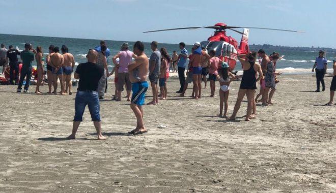 Foto: Bărbatul înecat în mare, în zona Hanul Piraţilor, a decedat!