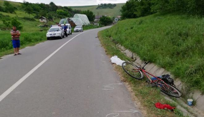 Foto: Tragedie în judeţul Constanţa! Biciclist mort, după ce a căzut într-un şanţ