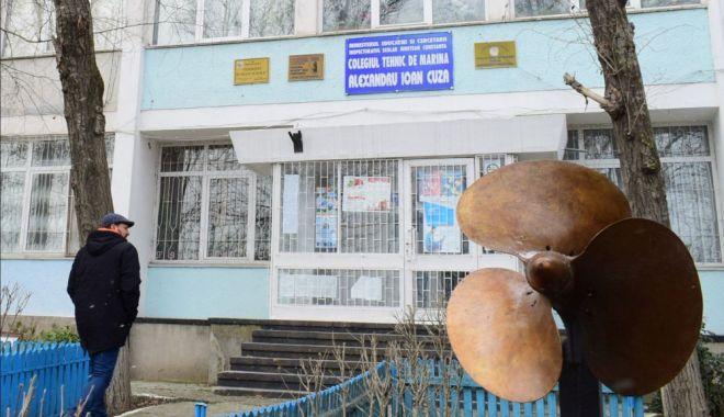 """Foto: S-A VOTAT! Colegiul Național Militar """"Alexandru Ioan Cuza"""", mutat la Școala nr. 15 """"Grigore Antipa"""""""