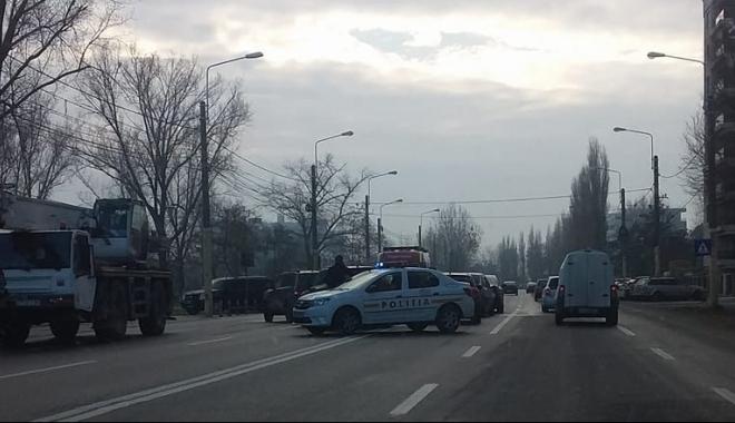 ACCIDENT RUTIER în zona Mega Image din Mamaia. Mai multe maşini implicate. Poliţia, la faţa locului - untitled2-1513238278.jpg