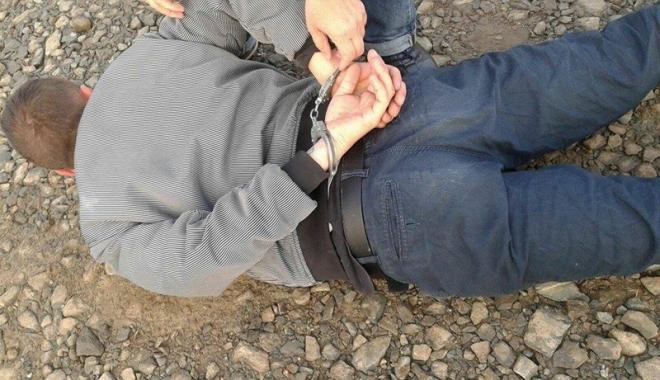 Foto: Violatorul din Tomis Nord, prins de poliţişti. Era dat în urmărire naţională