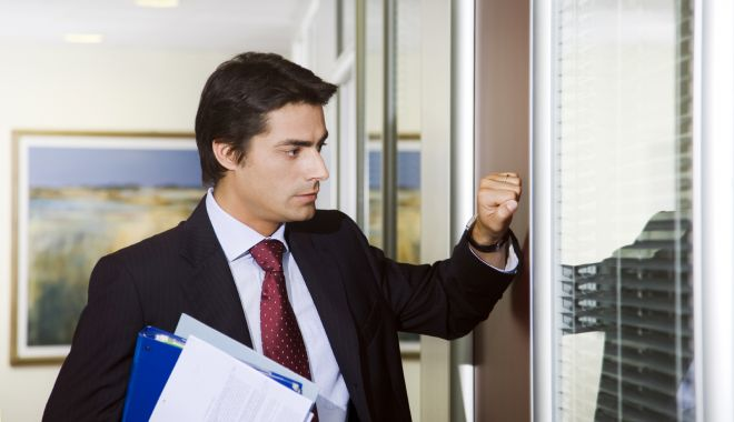 Foto: Voi știți cine vă bate la ușă? Înşelăciune în numele Primăriei Constanţa