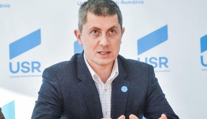 Foto: USR: CCR blochează planul lui Dragnea de a falimenta România